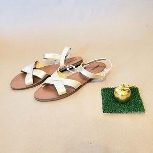 NWT Women Sandals Flats - US 9.5